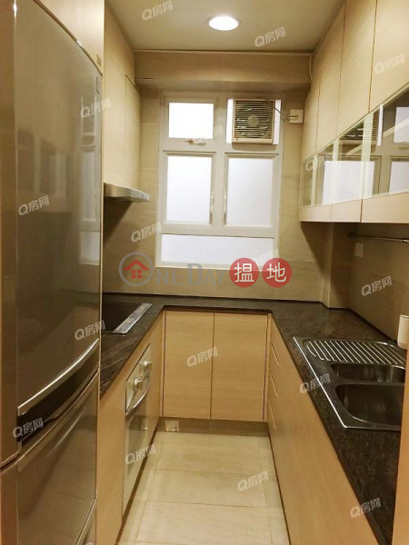 HK$ 13.5M | Peace House | Wan Chai District, Peace House | 2 bedroom Low Floor Flat for Sale