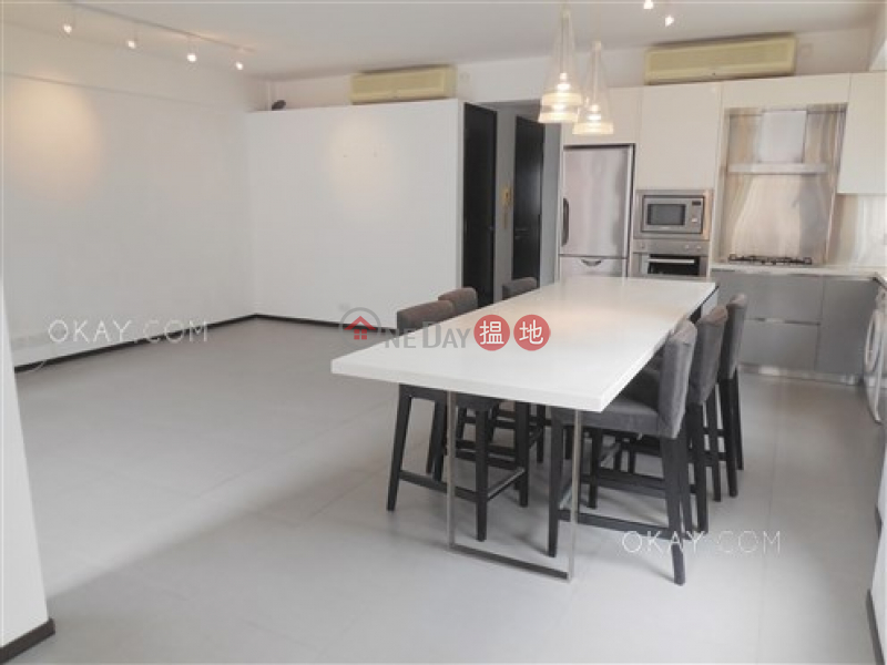 Property Search Hong Kong | OneDay | Residential Sales Listings | Elegant 2 bedroom on high floor with rooftop & balcony | For Sale
