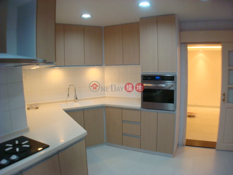 Property Search Hong Kong | OneDay | Residential Sales Listings, Discovery Bay, Phase 3 Parkvale Village, Woodland Court | 3 Bedroom Family Unit / Flat / Apartment for Sale