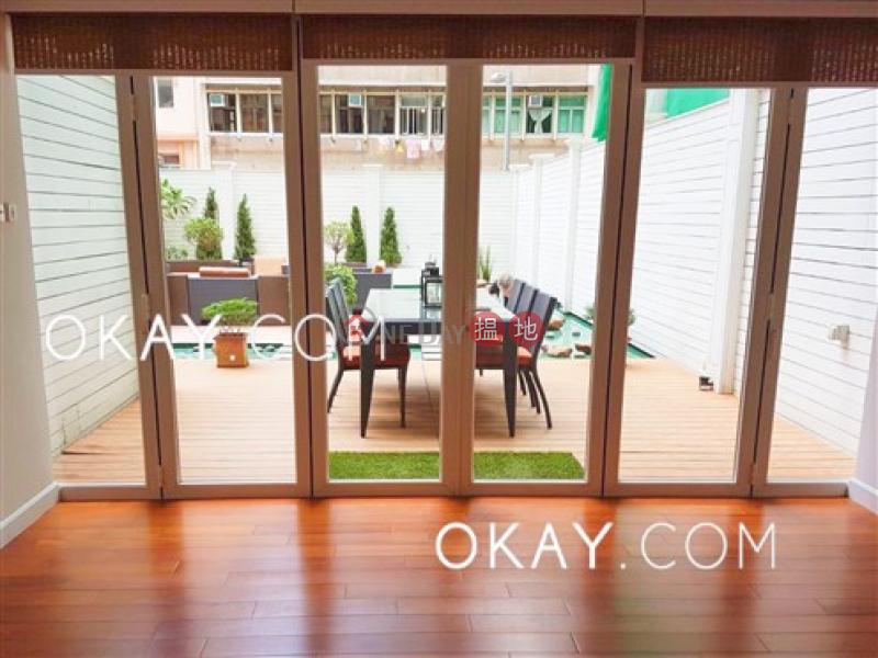 Elegant 2 bedroom with terrace | Rental, Caine Building 廣堅大廈 Rental Listings | Western District (OKAY-R3304)