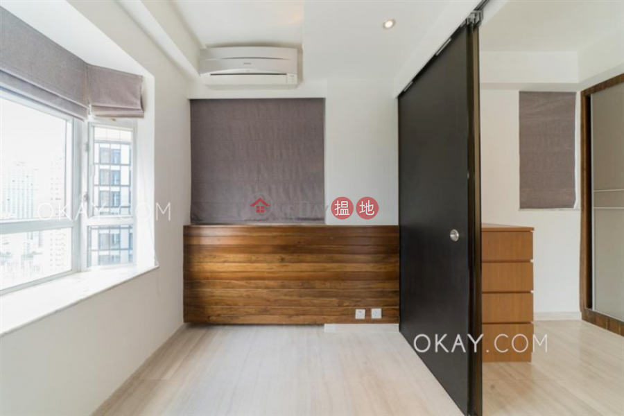 Lovely 1 bed on high floor with harbour views & rooftop | Rental | Lily Court 蓮花園 Rental Listings