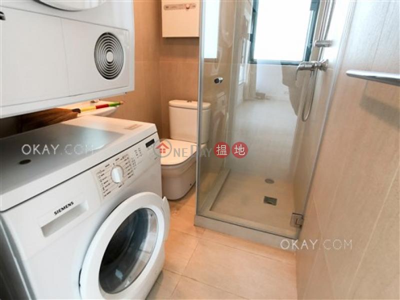 HK$ 16.3M, Silverwood, Wan Chai District, Stylish 2 bedroom on high floor   For Sale