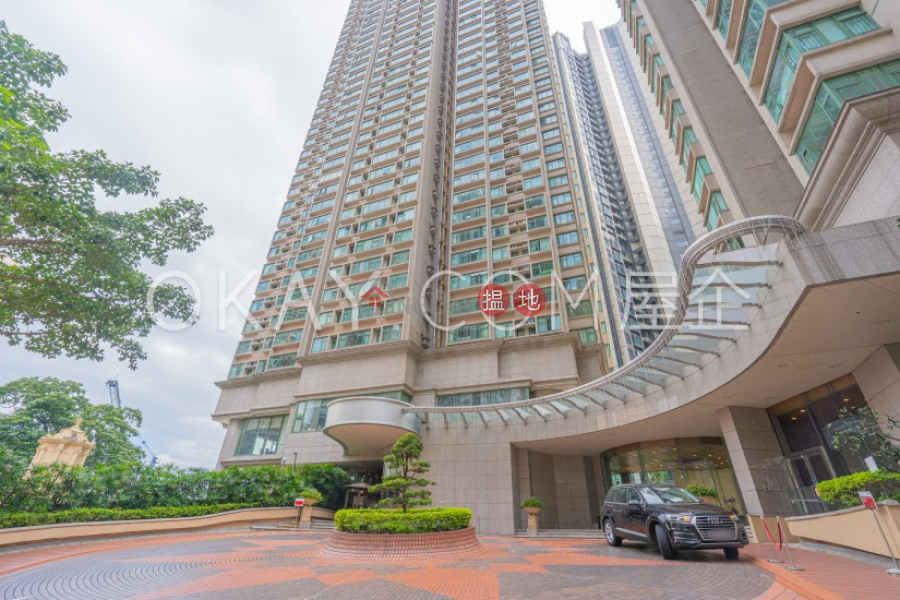 Property Search Hong Kong | OneDay | Residential Rental Listings | Luxurious 3 bedroom in Mid-levels West | Rental