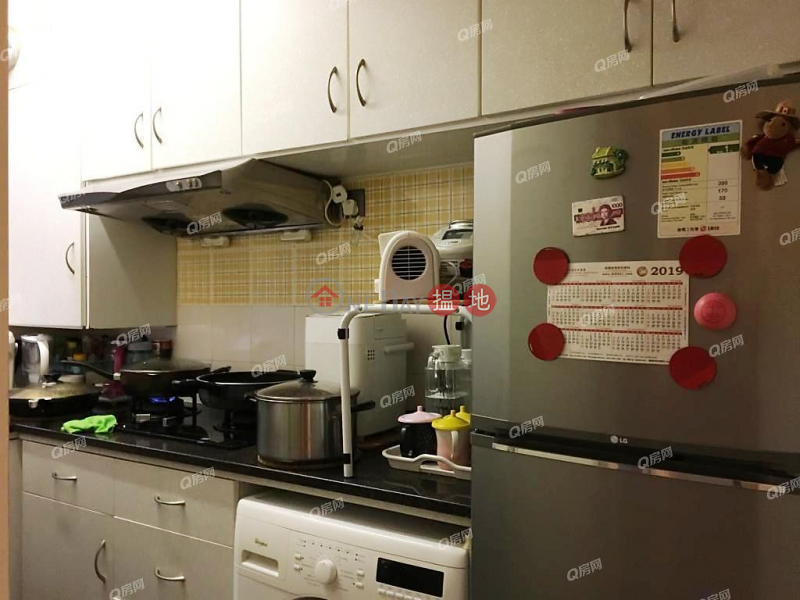 HK$ 38,000/ month, King\'s Court Western District | King\'s Court | 3 bedroom Mid Floor Flat for Rent