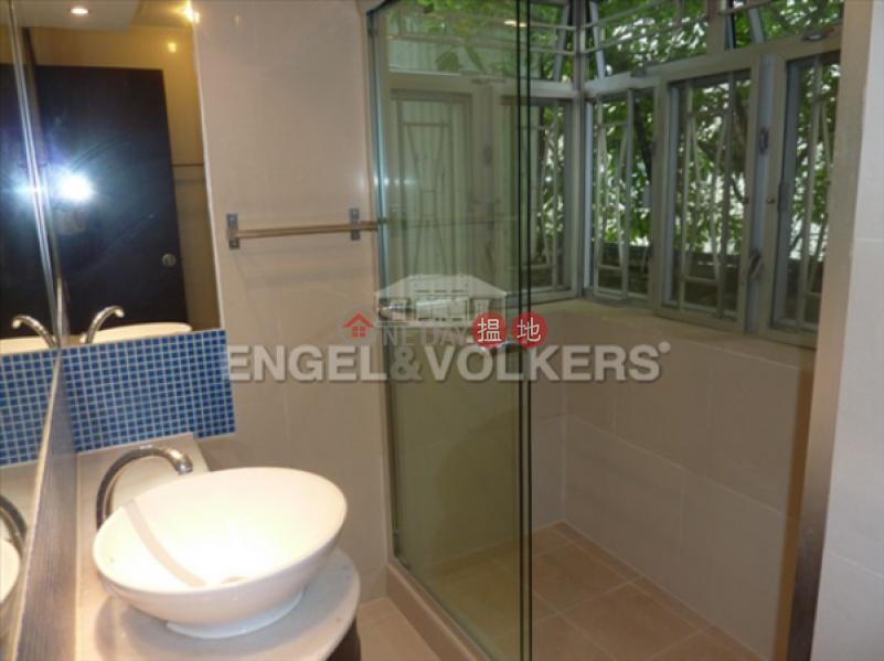 HK$ 42,000/ month 16-18 Tai Hang Road   Wan Chai District, 3 Bedroom Family Flat for Rent in Tai Hang