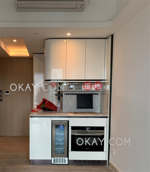 HK$ 46,500/ month | On Fung Building Western District, Stylish 3 bedroom on high floor with balcony | Rental
