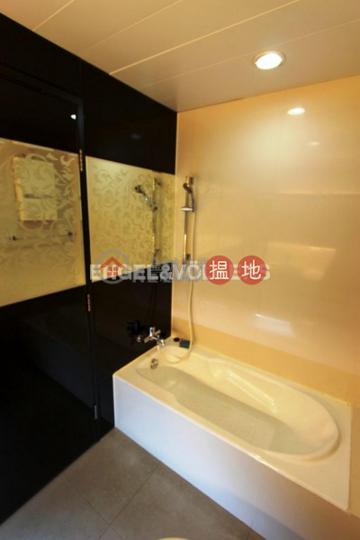 Property Search Hong Kong | OneDay | Residential | Sales Listings 3 Bedroom Family Flat for Sale in Shek Tong Tsui