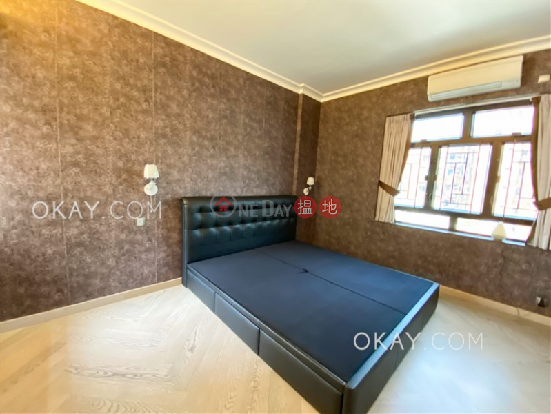 HK$ 31.8M, Pokfulam Peak, Western District | Rare 3 bedroom with balcony & parking | For Sale
