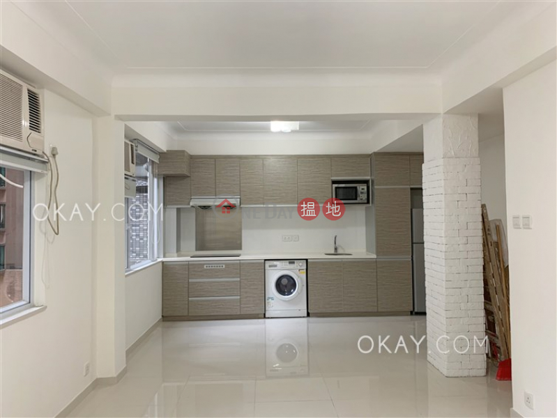 Elegant 2 bedroom in Mid-levels West | For Sale | 10 Castle Lane | Western District | Hong Kong Sales HK$ 19M