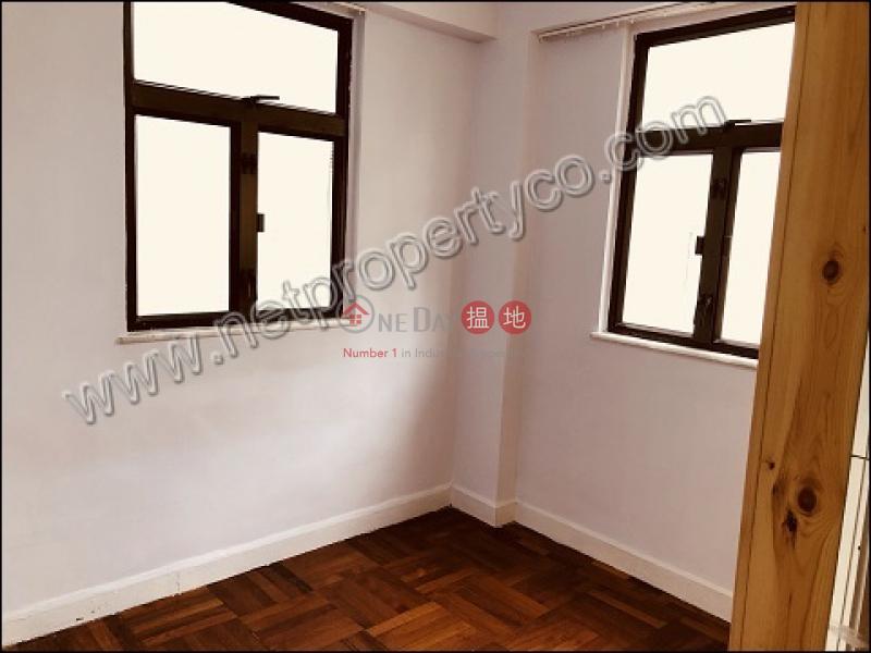 HK$ 18,000/ 月星輝苑灣仔區-Apartment for Rent