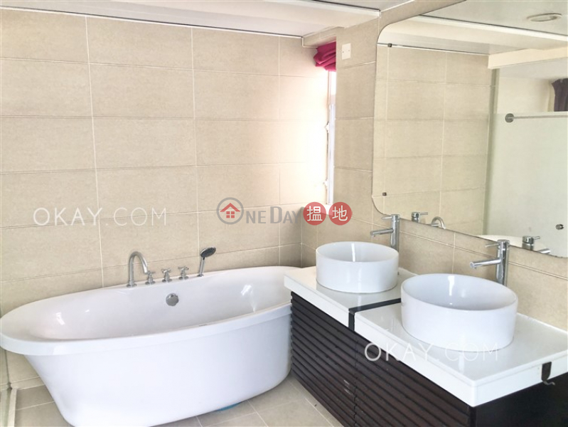 HK$ 18M Hing Keng Shek Sai Kung Charming house with rooftop, terrace & balcony | For Sale