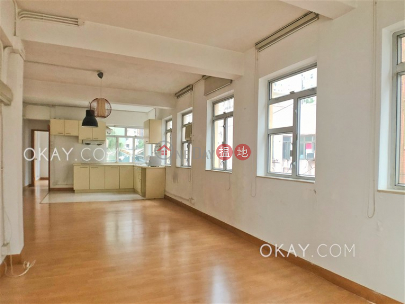 HK$ 25,000/ 月|爹核士街1E號|西區-1房1廁,極高層《爹核士街1E號出租單位》