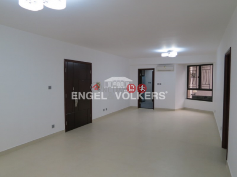 HK$ 60,000/ month | Yukon Court Western District 3 Bedroom Family Flat for Rent in Mid Levels West