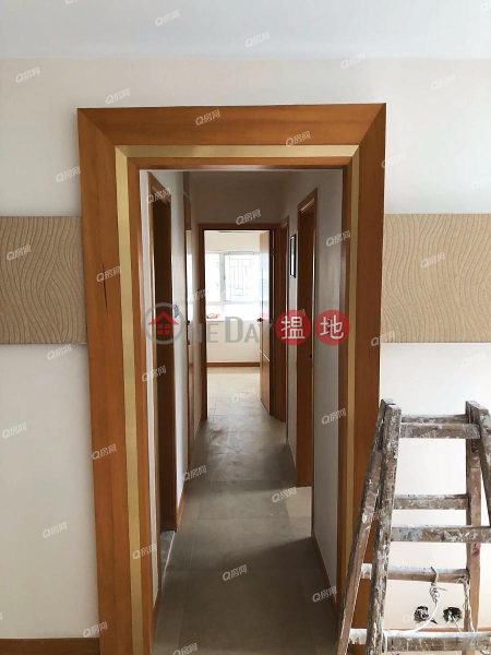 Property Search Hong Kong | OneDay | Residential Rental Listings South Horizons Phase 2, Yee Fung Court Block 11 | 3 bedroom Low Floor Flat for Rent