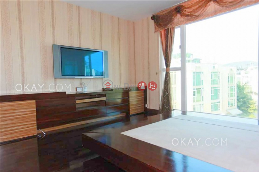 HK$ 16.5M House 22 Villa Royale | Sai Kung Elegant house with rooftop & parking | For Sale