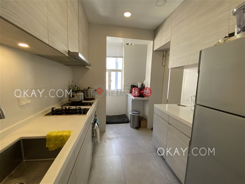 HK$ 57,000/ month 5H Bowen Road, Central District | Efficient 2 bedroom with balcony | Rental