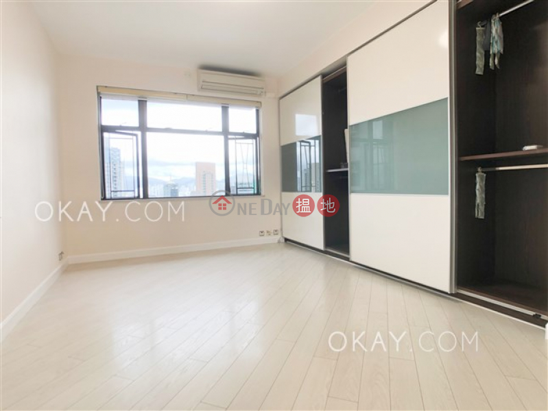 HK$ 49,000/ month Parkway Court, Western District | Popular 3 bedroom in Mid-levels West | Rental