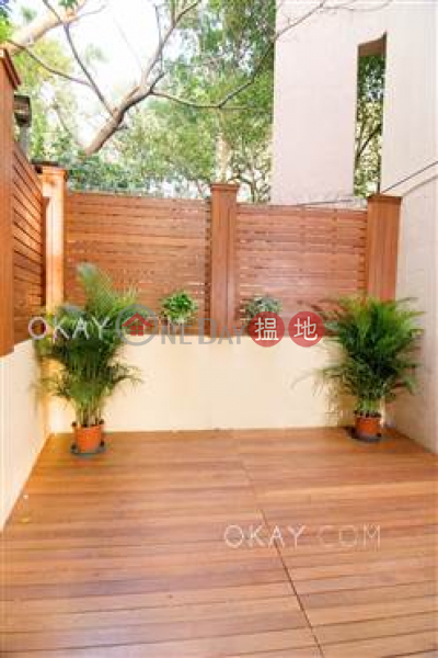 Stylish 2 bedroom with parking | For Sale | The Beachside The Beachside Sales Listings