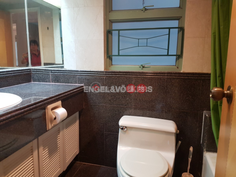 3 Bedroom Family Flat for Sale in Mid Levels West | Goldwin Heights 高雲臺 Sales Listings