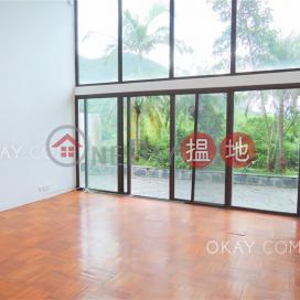 Exquisite 5 bedroom with terrace & parking | Rental