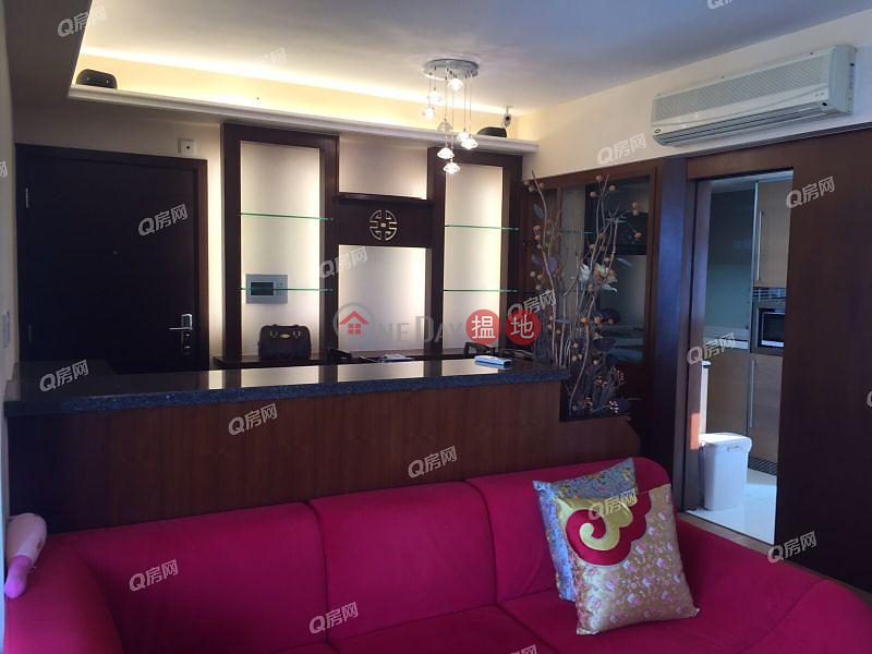 Property Search Hong Kong | OneDay | Residential Rental Listings Centrestage | 3 bedroom Mid Floor Flat for Rent