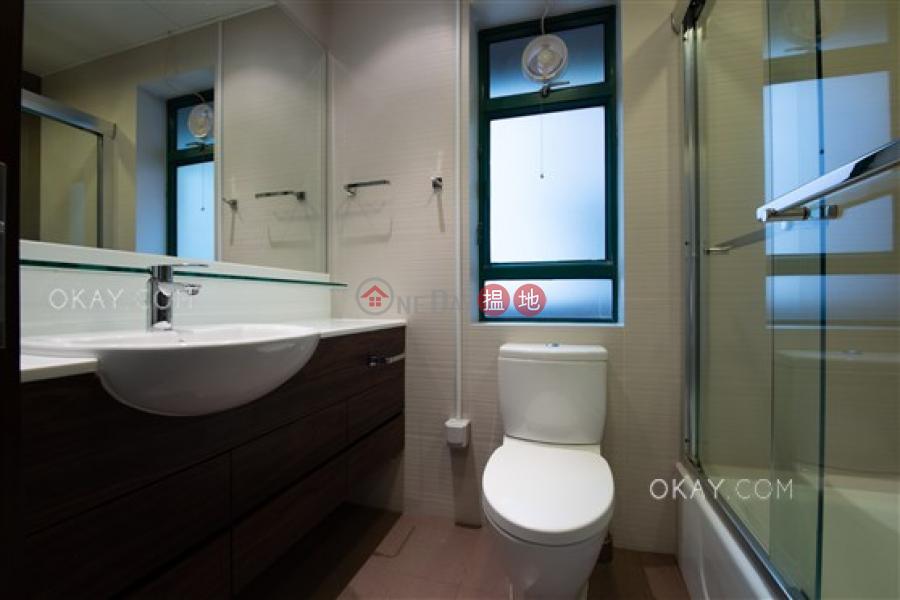 2房1廁,實用率高,星級會所,可養寵物《曉峰閣出租單位》 曉峰閣(Hillsborough Court)出租樓盤 (OKAY-R13633)