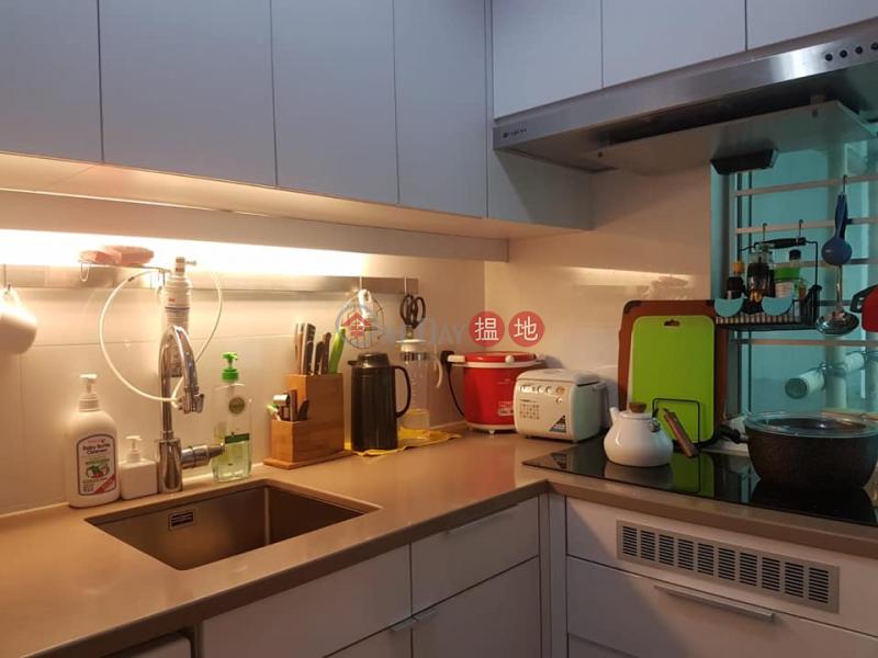 HK$ 620萬 荔灣花園 A座長沙灣-兩房兩廳,間隔實用,廳大房大
