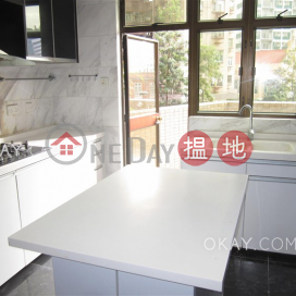 Beautiful 4 bedroom with terrace | For Sale