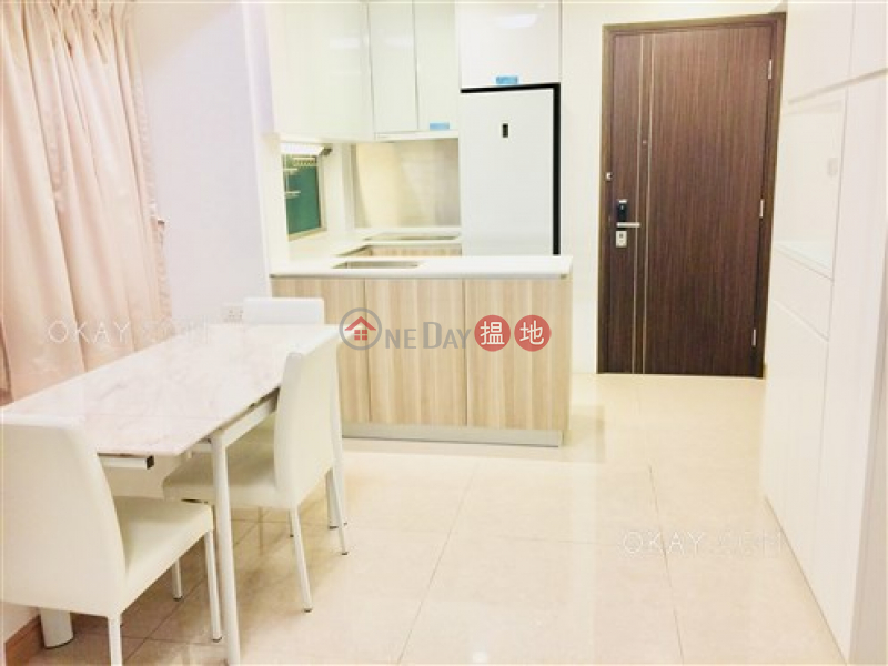 HK$ 13M | Diva, Wan Chai District, Gorgeous 2 bed on high floor with sea views & balcony | For Sale