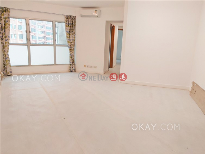 HK$ 40,000/ month, The Waterfront Phase 1 Tower 2 Yau Tsim Mong, Tasteful 3 bedroom in Kowloon Station | Rental