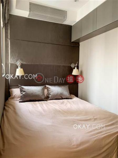 Generous high floor with sea views & rooftop | Rental, 43-47 Third Street | Western District, Hong Kong Rental, HK$ 28,000/ month