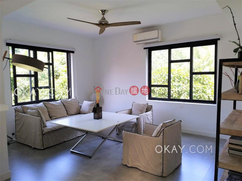 HK$ 45M   Choi Ngar Yuen Wan Chai District   Lovely 4 bedroom on high floor with rooftop & parking   For Sale