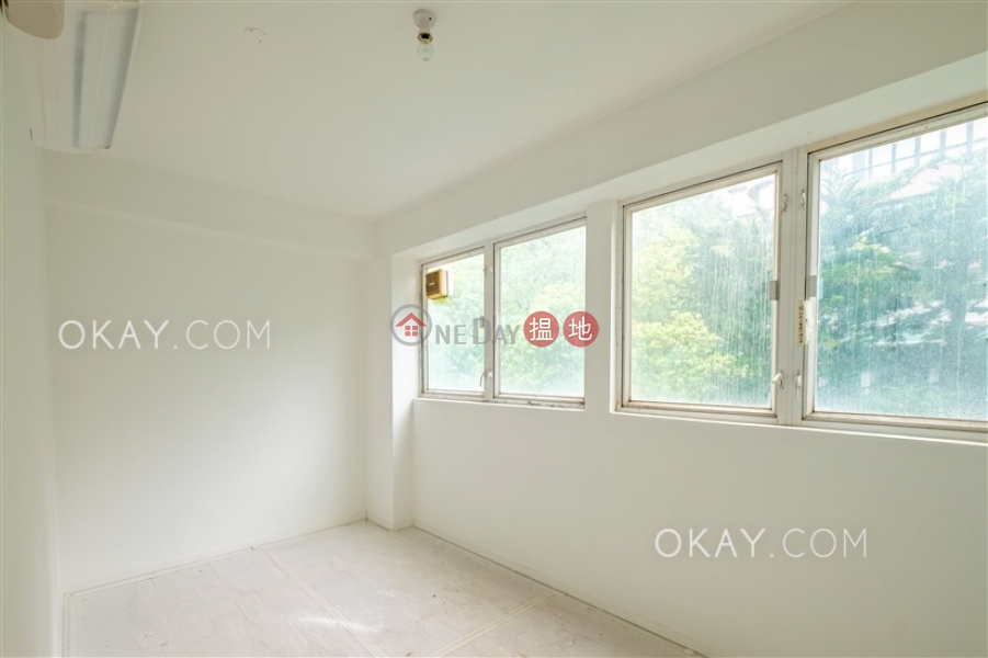 HK$ 29,000/ month, Phase 3 Villa Cecil Western District | Unique 2 bedroom in Pokfulam | Rental