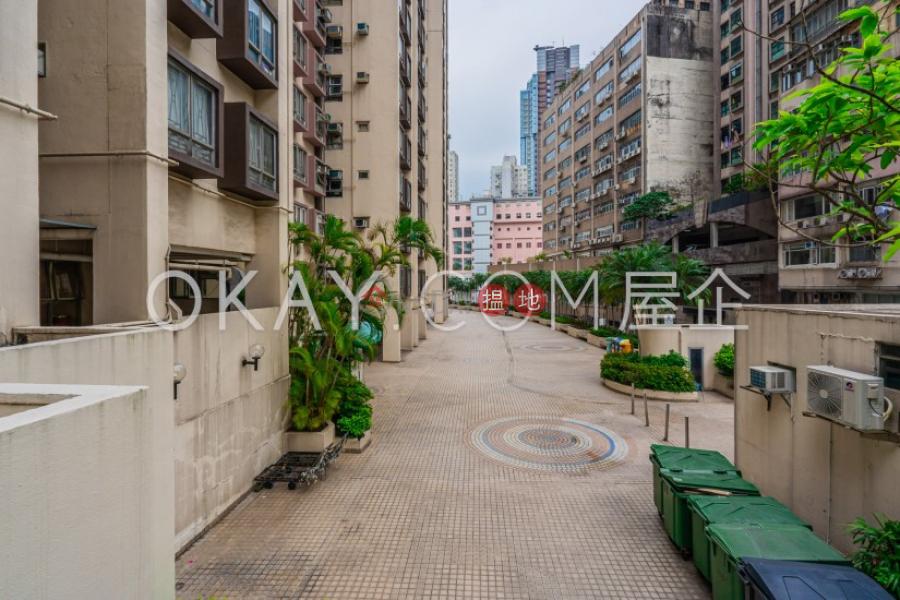 Popular 2 bedroom in Western District | For Sale | Smithfield Terrace 嘉輝花園 Sales Listings