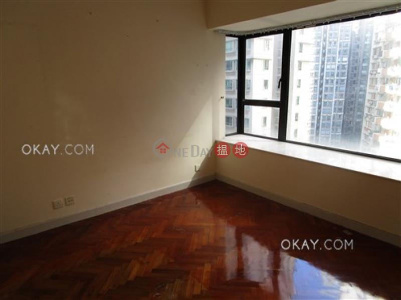 3房2廁,可養寵物《愛富華庭出租單位》62B羅便臣道 | 西區|香港|出租HK$ 40,000/ 月