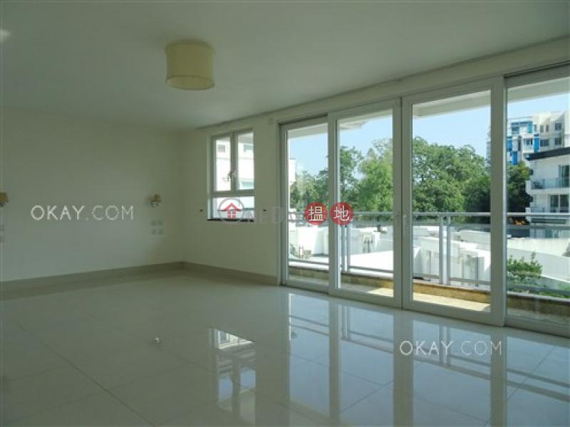 Elegant house with rooftop, terrace & balcony   For Sale   Sha Kok Mei 沙角尾村1巷 Sales Listings