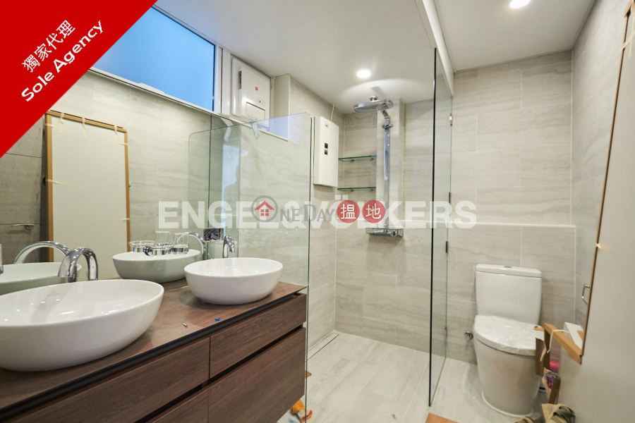 Property Search Hong Kong | OneDay | Residential, Rental Listings | 3 Bedroom Family Flat for Rent in Pok Fu Lam