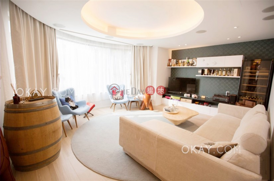 Property Search Hong Kong | OneDay | Residential, Sales Listings, Gorgeous 3 bedroom on high floor with rooftop & parking | For Sale
