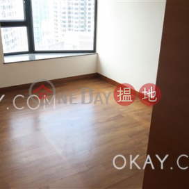 Gorgeous 3 bedroom with balcony & parking | Rental