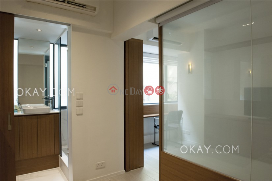 Intimate 1 bedroom with terrace   Rental, On Tung Mansion 安東樓 Rental Listings   Western District (OKAY-R296571)