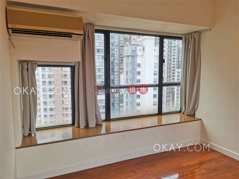 HK$ 16M, Scenic Rise Western District   Popular 3 bedroom on high floor with sea views   For Sale