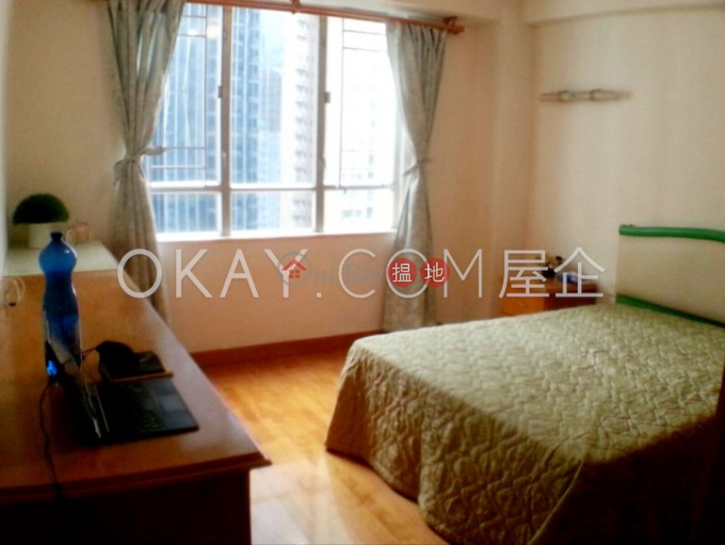 Efficient 3 bedroom on high floor with rooftop | For Sale | Block 5 Phoenix Court 鳳凰閣 5座 Sales Listings