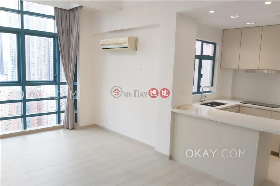Elegant penthouse with rooftop | Rental, Prosperous Height 嘉富臺 Rental Listings | Western District (OKAY-R57552)