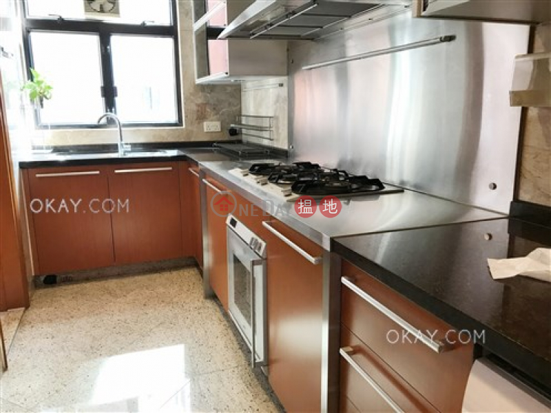 Beautiful 4 bed on high floor with balcony & parking   Rental   The Arch Star Tower (Tower 2) 凱旋門觀星閣(2座) Rental Listings