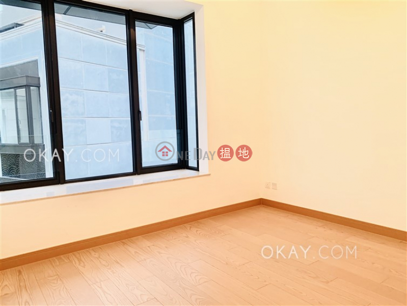 HK$ 34.55M | Manor Parc | Yuen Long Luxurious house with rooftop, terrace & balcony | For Sale