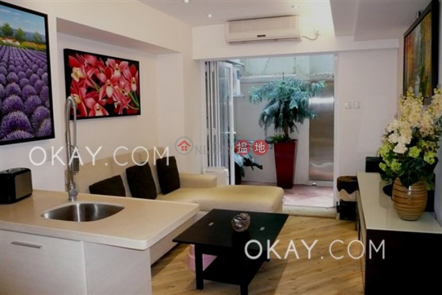 Property Search Hong Kong | OneDay | Residential Sales Listings Luxurious 2 bedroom in Mid-levels West | For Sale