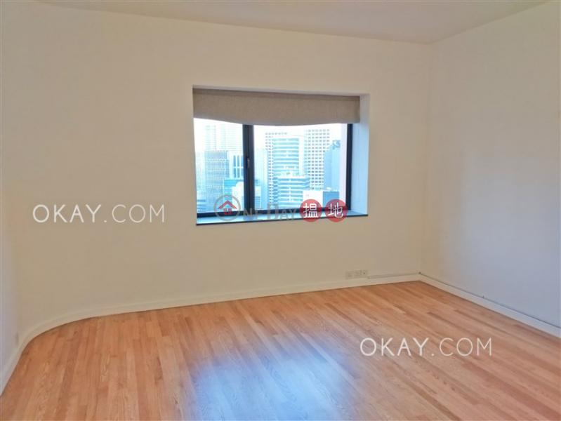 HK$ 100,000/ 月|雅賓利大廈|中區3房2廁,星級會所,連車位,露台《雅賓利大廈出租單位》