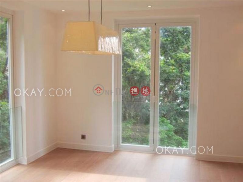Rare 2 bedroom with balcony | Rental, 31-33 Village Terrace 山村臺 31-33 號 Rental Listings | Wan Chai District (OKAY-R75141)