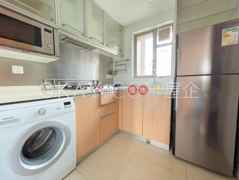 Generous 3 bedroom on high floor with balcony   Rental   The Zenith Phase 1, Block 1 尚翹峰1期1座 Rental Listings