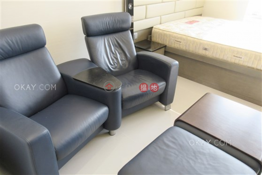 HK$ 26,000/ month Convention Plaza Apartments | Wan Chai District Popular studio on high floor with sea views | Rental